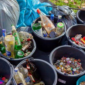 Het belang van de juiste afvalcontainer huren: van afval naar duurzaam product
